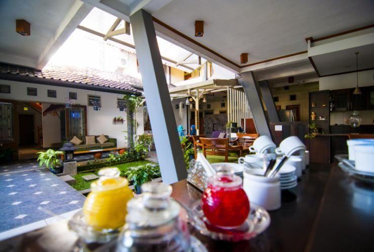 Rumah Asri Bed and Breakfast, Bandung