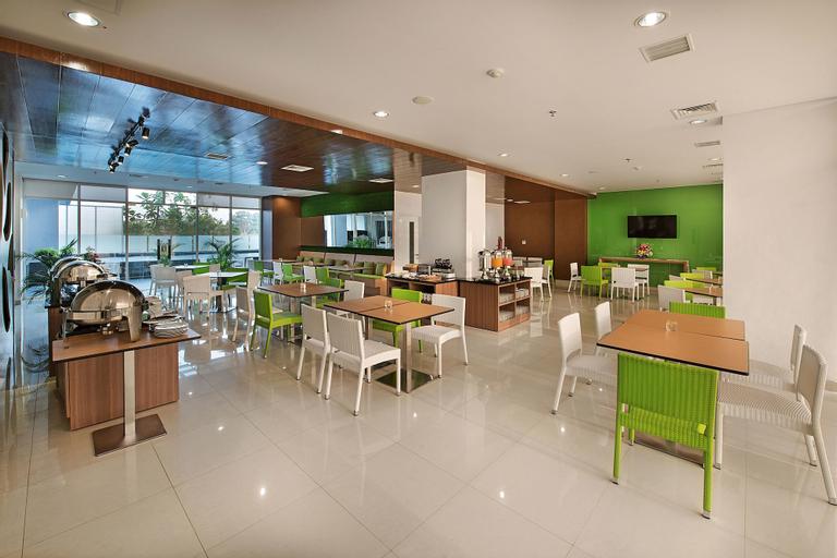 Whiz Prime Hotel Pajajaran Bogor, Bogor