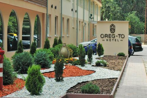 Oreg-to Hotel es Rendezvenyter, Tata