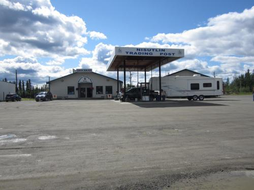 Nisutlin Trading Post Motel, Yukon