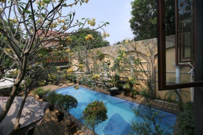 OYO 90094 Gayatri Residence, Jakarta Selatan