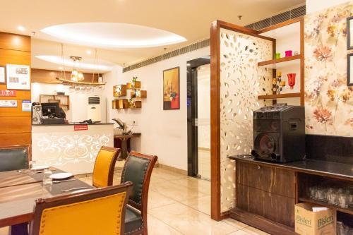 Grand Hotel Nawanshahr, Shahid Bhagat Singh Nagar