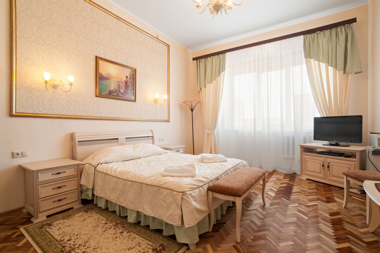 Petrovskaya Hotel, Vsevolzhskiy rayon