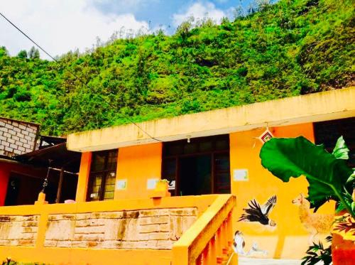 Casa Naranja, Baños