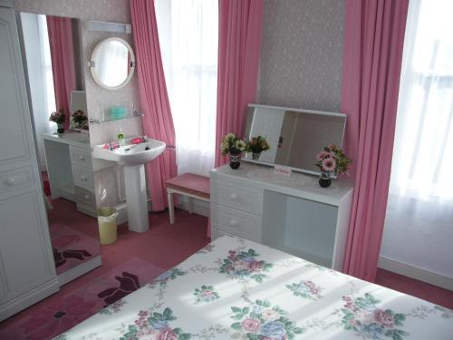 El Tabora Guest House,