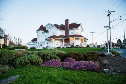 Anchorage Inn B&B, Island