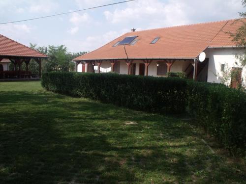 Balazs Vendeghaz, Mezőcsáti