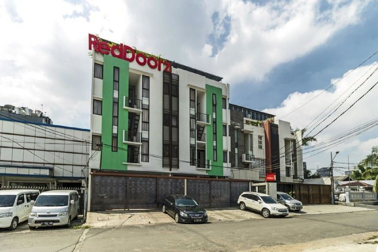 RedDoorz Plus near Plaza Indonesia, Jakarta Pusat