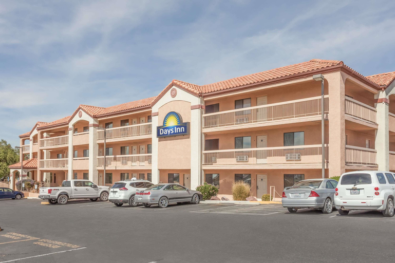 Days Inn by Wyndham South Lenwood, San Bernardino