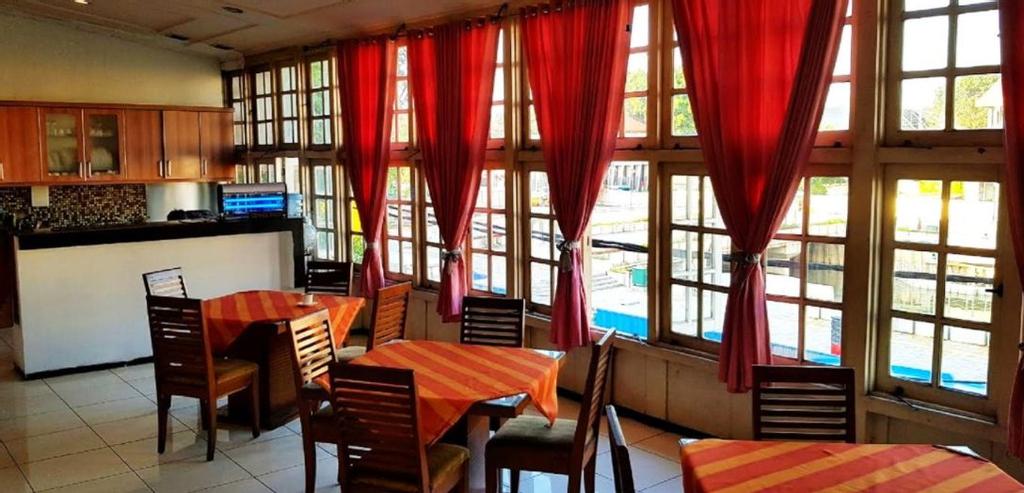 Hotel DeQur Jakarta Kota, West Jakarta