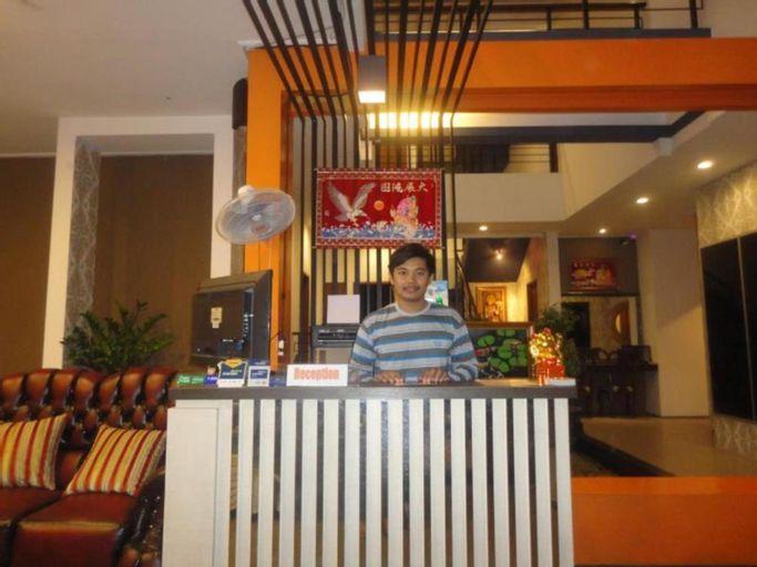 Putri Bali Hotel Surabaya, Surabaya