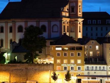 Hotel-Restaurant Am Paulusbogen, Passau