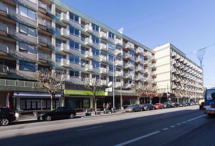 BO - Julio Dinis * Apartments & Parking, Porto