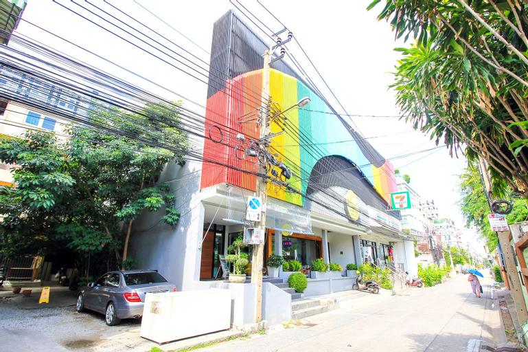 All Day Hostel, Prakanong