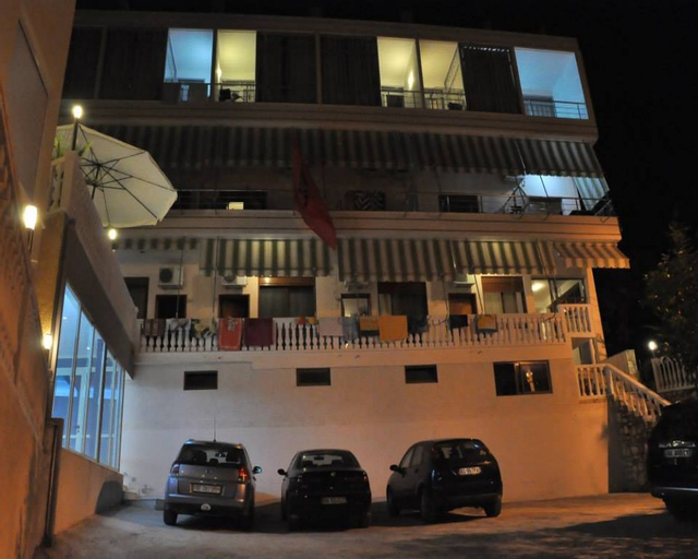 Residenca Aurora, Vlorës