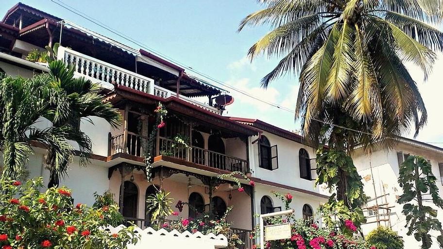 Garden Lodge, Mjini