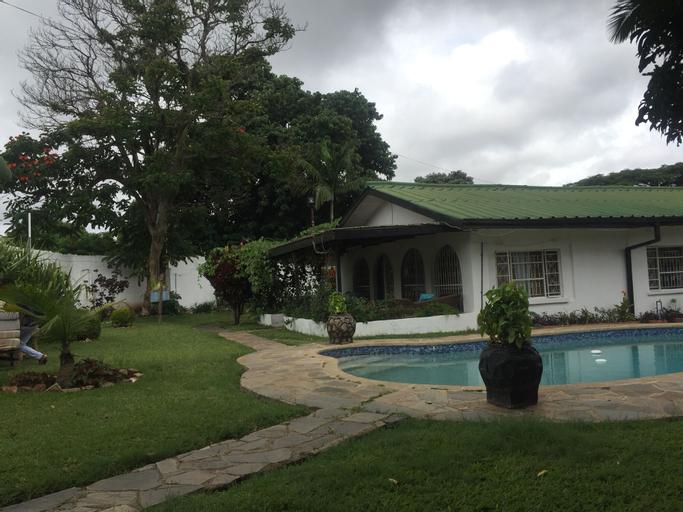 John's Place, Lusaka