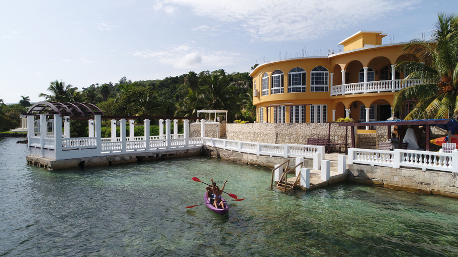 Waters Edge Guest House,