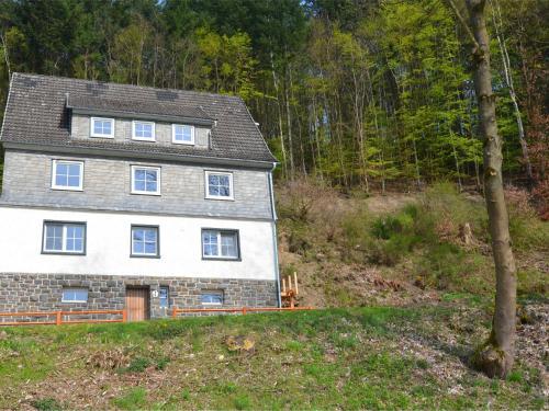 Lovely group house near Winterberg with private sauna, garden and terrace, Hochsauerlandkreis