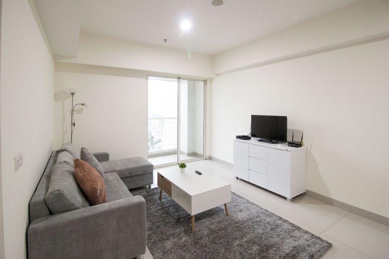 2 BR Best in Kelapa Gading Sherwood Apartment By Travelio, North Jakarta