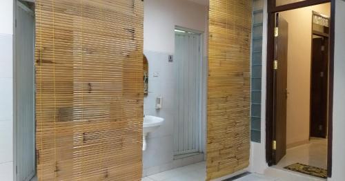 Chacha Guest House & Dormitory, Manggarai