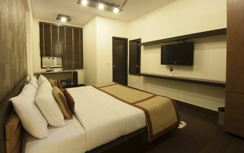 Hotel Good Palace, West
