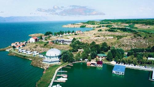 Noy Land Resort,