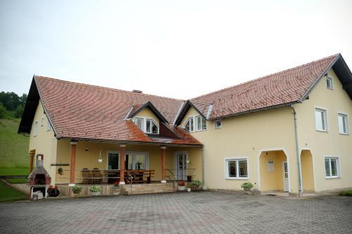 Villa Mateo, Brestovac