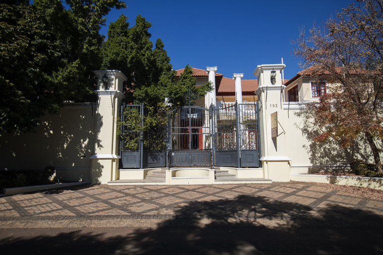 Cricklewood Manor, City of Tshwane