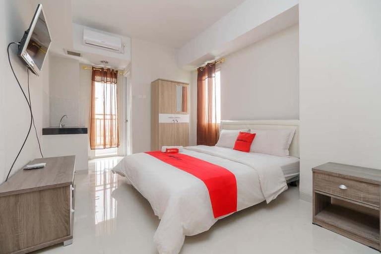 RedDoorz Apartemen @ Green Lake View Cimanggis, Depok