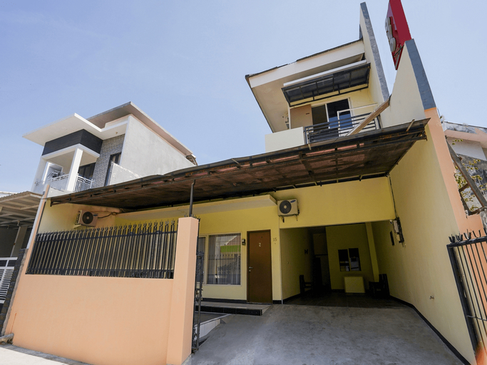 OYO 1857 Wonoboyo Residence, Surabaya