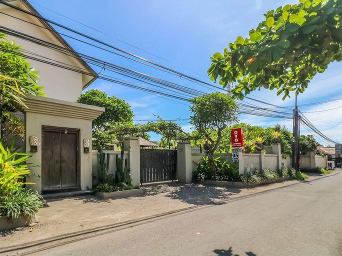OYO 2702 Arimanu Guest House, Badung