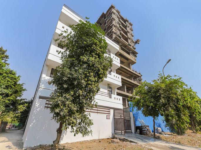 OYO 18982 Ooak Homes, Gautam Buddha Nagar