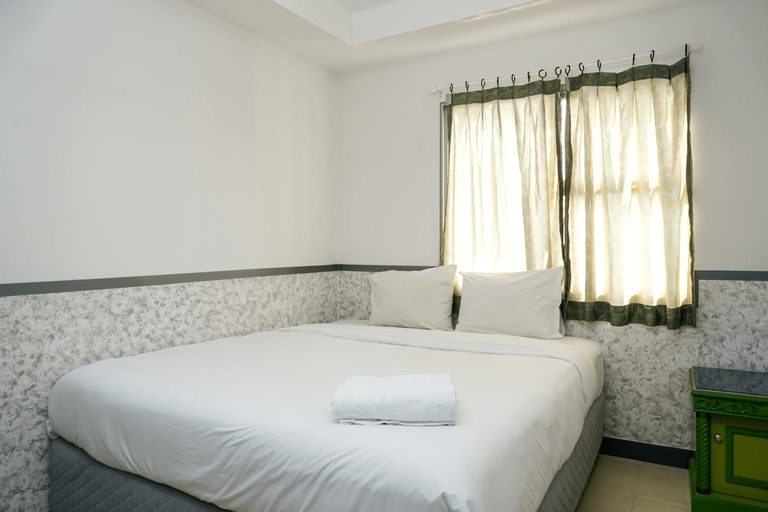 Comfortable 3BR with Japanese Style Livingroom Belmont Apartment By Travelio, Jakarta Barat