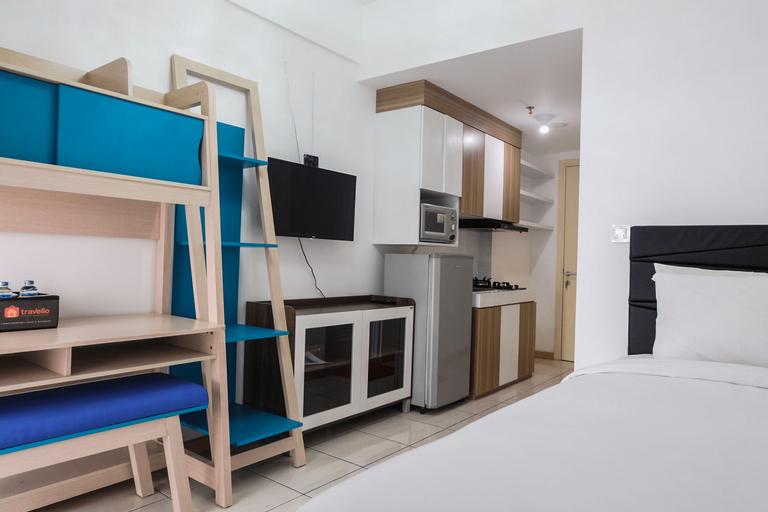Contemporer Studio Apartment M-Town Residence near Summarecon Mall Serpong By Travelio, Tangerang