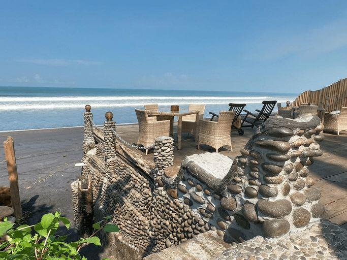 Beachfront Villa Nixie and the Sea, Tabanan