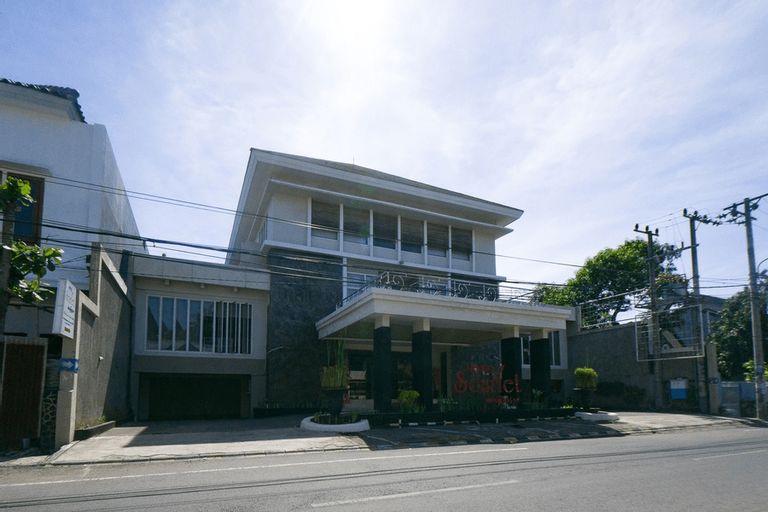 RedDoorz Plus near Universitas Negeri Makassar 2, Makassar