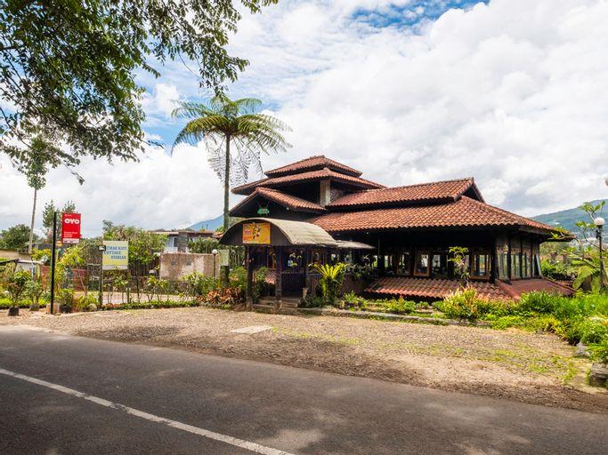 OYO 2640 Rumah Kayu Cottage Syariah, Bandung