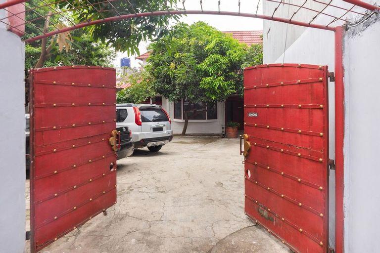 RedDoorz near Universitas Pamulang, Tangerang Selatan