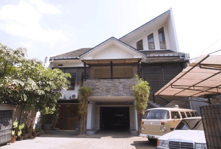 CT 195 Bandung, Bandung