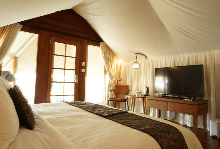 Oak Tree Glamping Resort, Malang