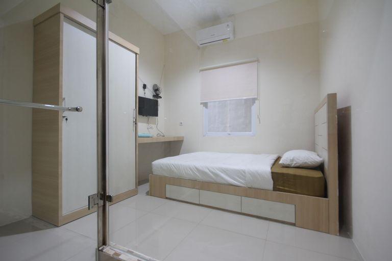 RoomMe Salemba 5, Central Jakarta