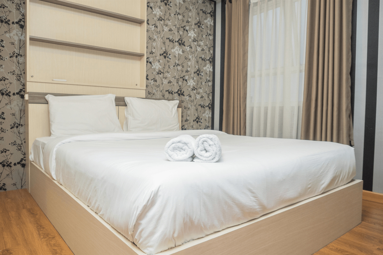 2BR with Sofa Bed at Gateway Pasteur Apartment By Travelio, Cimahi