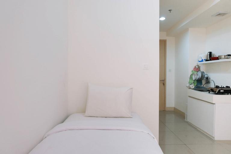 Cozy and Minimalist Studio Apartment @ Tree Park BSD By Travelio, South Tangerang