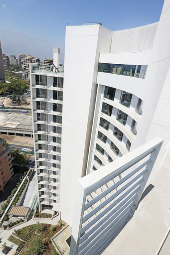 DoubleTree by Hilton Santiago Kennedy, Santiago