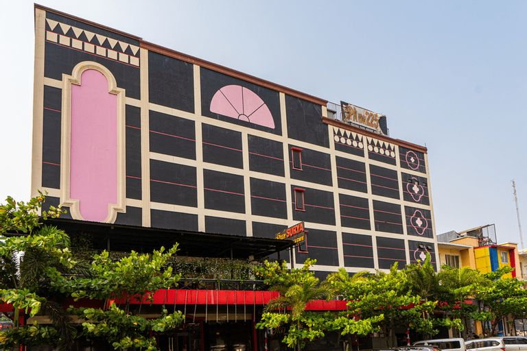 RedDoorz Plus near Chadstone Mall, Cikarang