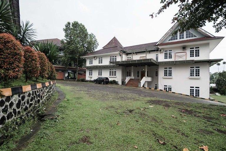 RedDoorz Syariah near Taman Wisata Matahari, Bogor