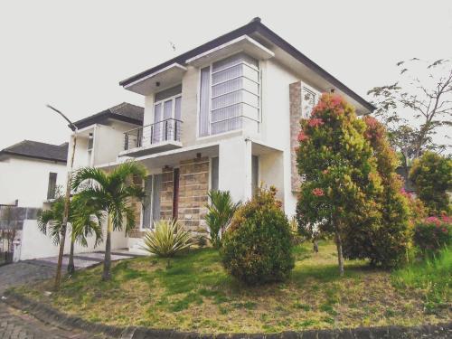 Villa Sekisah, Malang