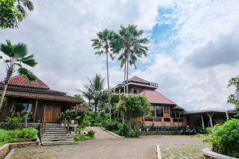 OYO 774 Villa 007 Sengkaling, Malang