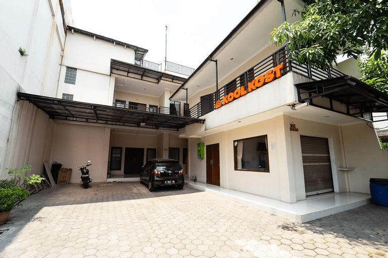 KoolKost Syariah near Alun Alun Kota Bandung, Bandung